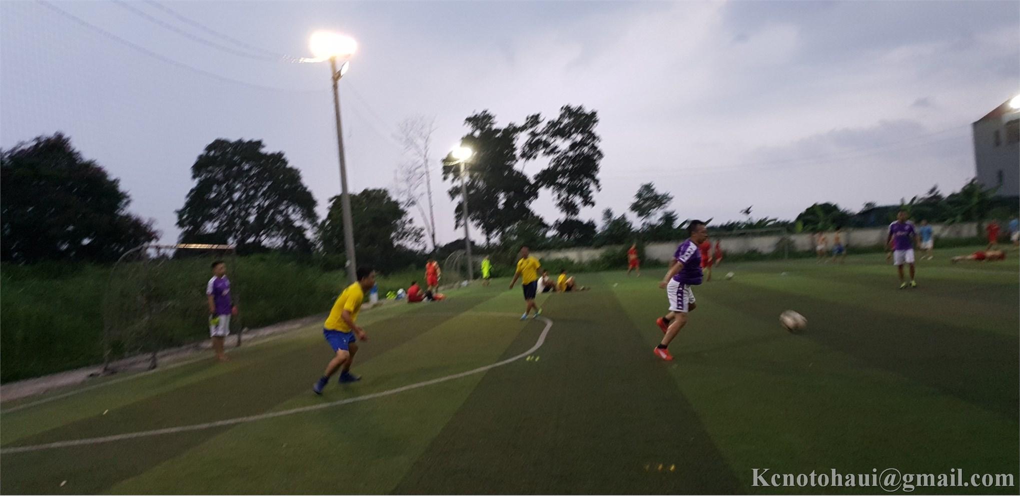 Buổi giao hữu bóng đá với đội tuyển cựu sinh viên ĐHÔTÔ Khóa 1
