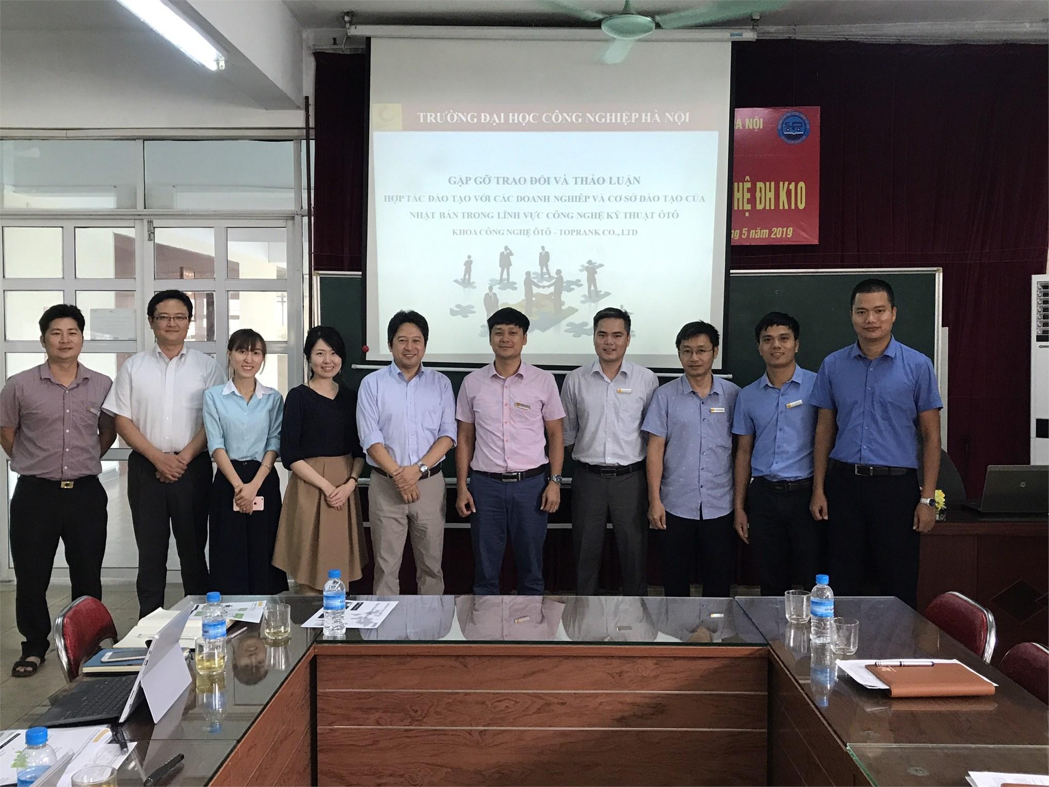 Trao đổi thảo luận hợp tác đào tạo với các doanh nghiệp và cơ sở đào tạo của Nhật Bản trong lĩnh vực Công nghệ Ô tô.