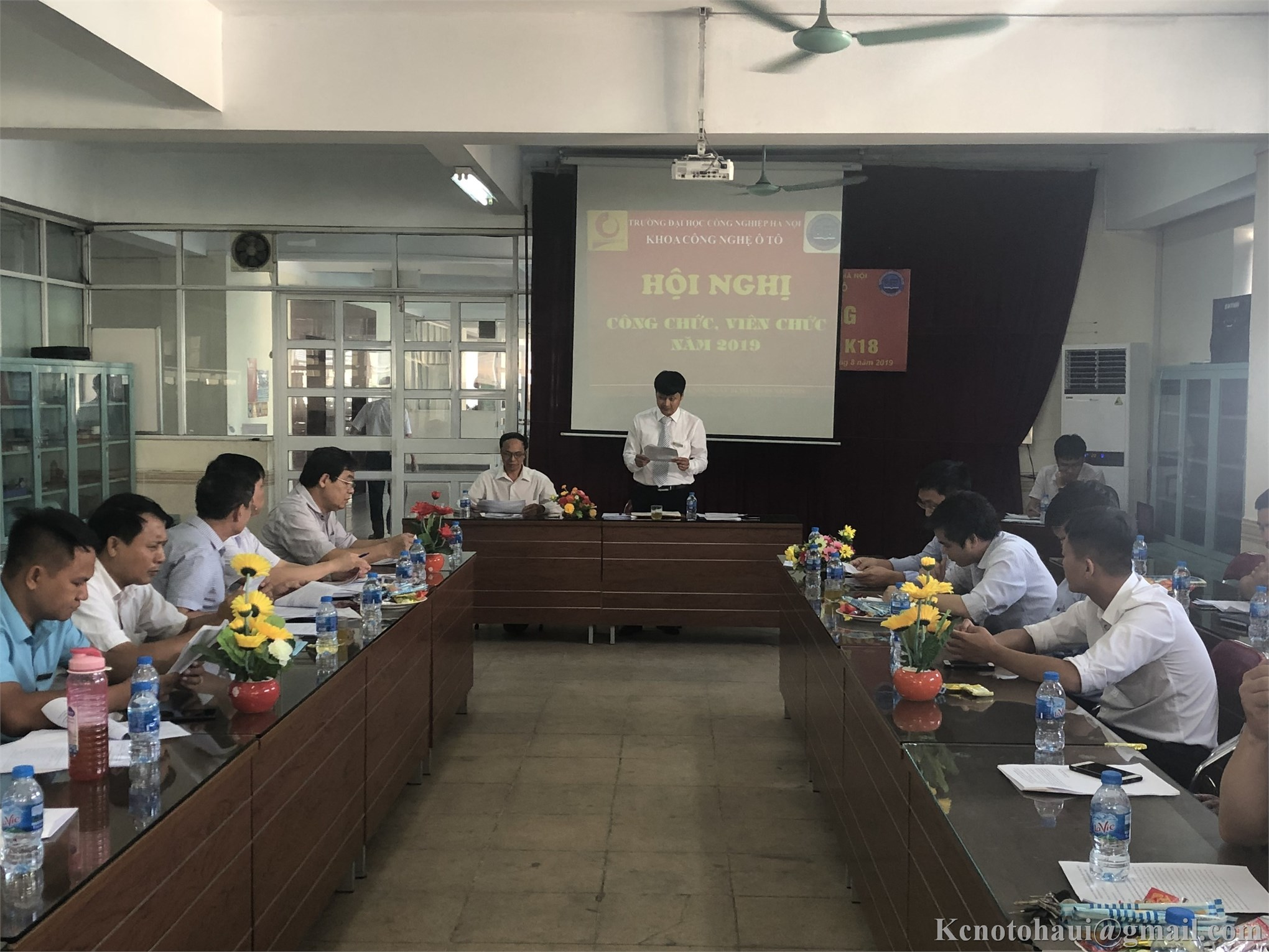 Hội nghị công chức, viên chức Khoa công nghệ ôtô tổng kết năm học 2018-2019 và triển khai nhiệm vụ năm học 2019-2020.